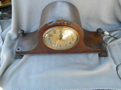 Vintage Revere R-442 Electric Mantle Clock
