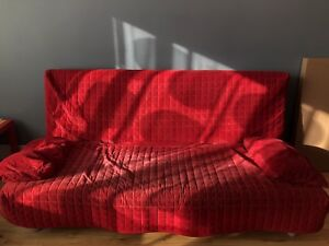 Canapé-lit ikea rouge/ Ikea Sofa-bed Red 110$