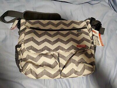 SKIP HOP Dash SIGNATURE Messenger Diaper Bag Baby Bag with Changing Pad, Chevron