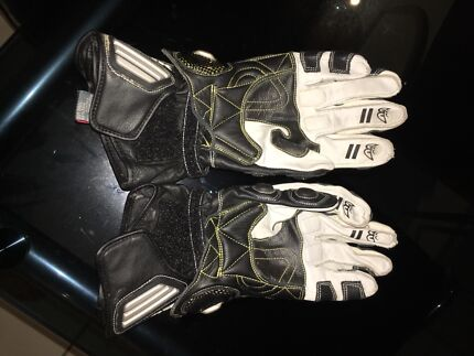Berik GP Race gloves