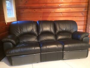 Black Leather Reclining Couch!