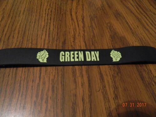 "New- GREEN DAY ""American Idiot"" logo Rubber wristband Bracelet"