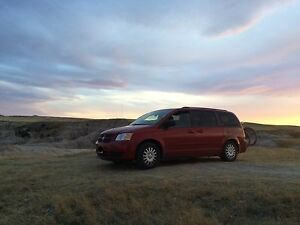 2008 Dodge Grand Caravan stow n go - with camper conversion