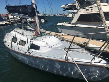 Top Hat 25 Yacht For Sale