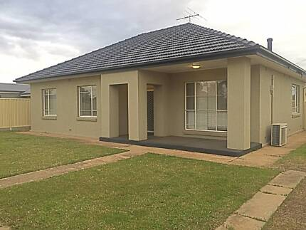 Large 3 Bedroom Home with Modern Finishes and Bathroom Ottoway Port Adelaide Area Preview