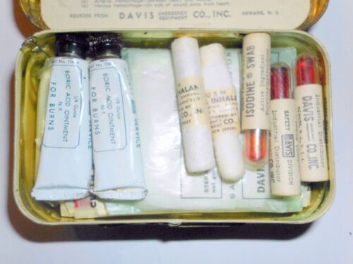 Antique Vintage Davis Emergency FIRST AID PACKET  FULL SAFETY TIN NEVER USED
