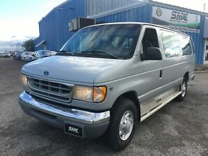 1998 Ford Club Wagon XLT, Low Mileage, 11 Passengers
