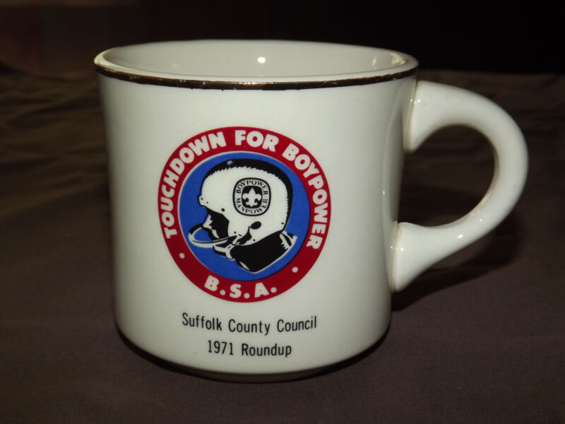 VINTAGE BSA BOY SCOUTS COFFEE MUG 1971 SUFFOLK COUNTY COUNCIL TOUCHDOWN BOYPOWER