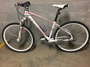 Cube M size aluminum frame 29er front suspension mountain bike Woolloomooloo Inner Sydney Preview