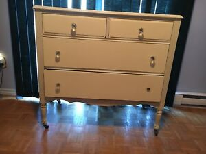 Antique Cream Dresser with Detachable Mirror