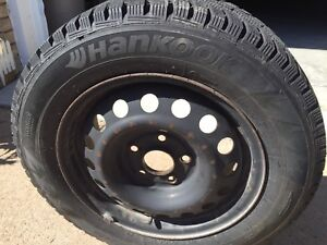 Hankook Winter I*Pike W419 RS tires on Rims Honda Civic/Acura