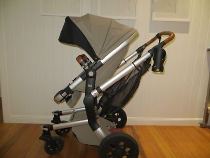 Joolz Day Earth Pram and Bassinet with accessories