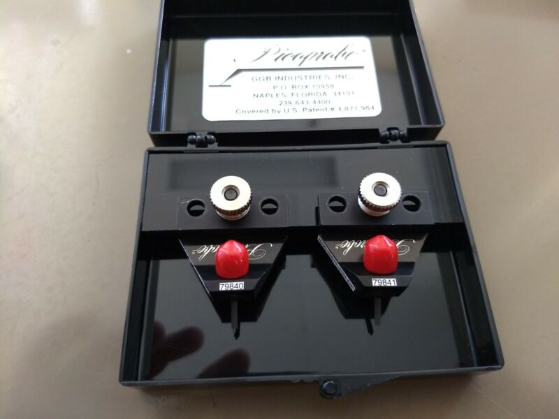 Set of two Picoprobe 40A-GSG-200-DP