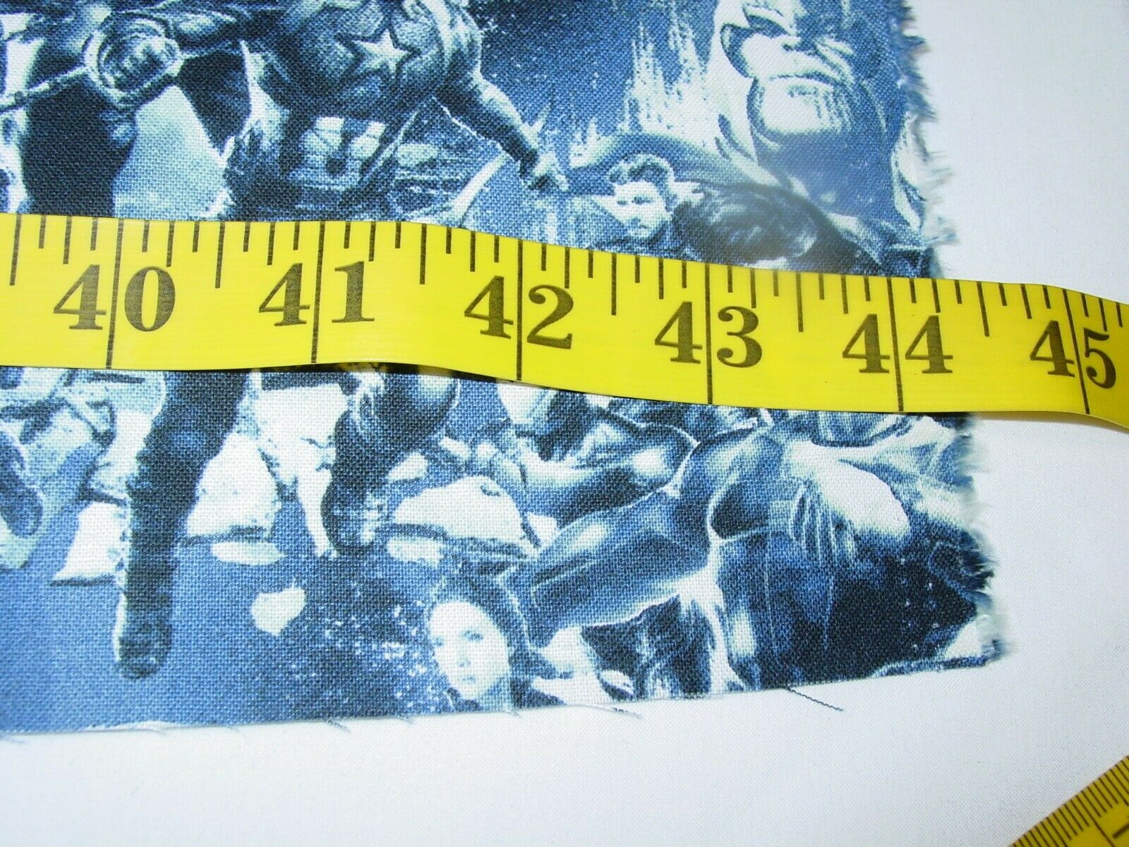 MARVEL CHARACTERS AVENGERS 100 COTTON FABRIC REMNANT LENGHT 34 X WIDTH 43  - $12.50