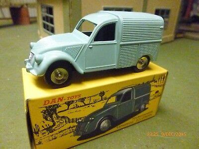 Dinky  Citroen 2cv Camionnette Dan toys , CIJ ( pas atlas )
