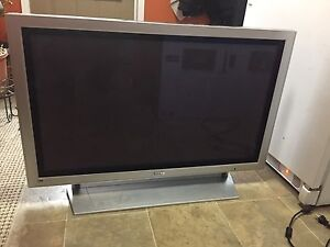 "42"" plasma TV with Wall Mount Bracket"