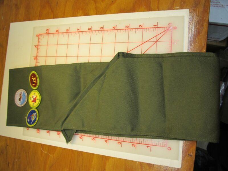 BSA collectible merit badge sash with 4 merit badges (g21)