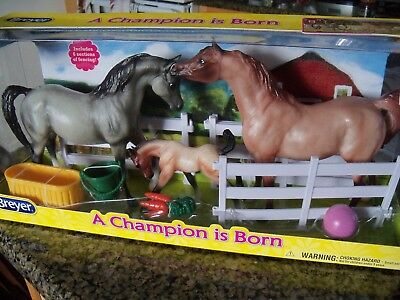 Breyer Classics #61087 A Champion is Born Gift Set 3 Horses Fence NEW