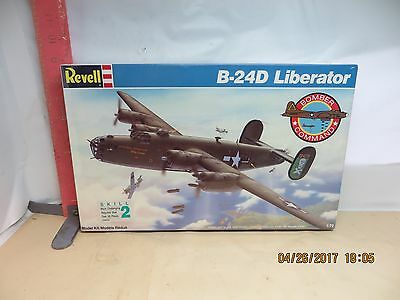 REVELL BOMBER COMMAND B-24D LIBERATOR - WWII BOMBER , NEW IN WRAPPER - 1:72 SCAL