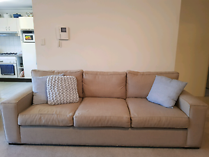 Lounge For Sale!!! Sutherland Sutherland Area Preview