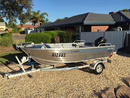 4.2 m Tinnie with 30hp electric start 2014 and GPS Fish Finder.  Tinny