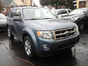 2011 FORD ESCAPE XLT AUTOMATIC- POWER GLASS SUNROOF, LEATHER HEA
