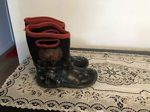 Spider man winter boots size 13. AVAILABLE