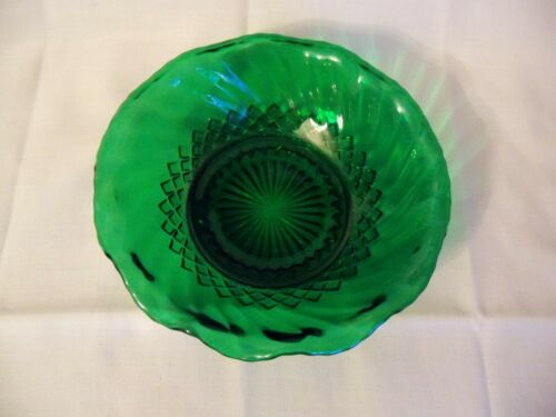 Cute Green Swirl Pattern Bowl w/ Wavy Edges