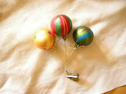 3 Glass Balloons on a Clip