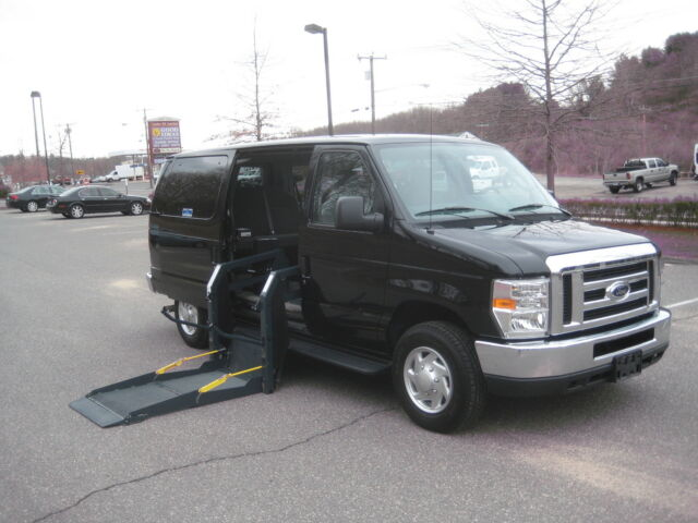 Image 1 of Ford: E-Series Van E-150…