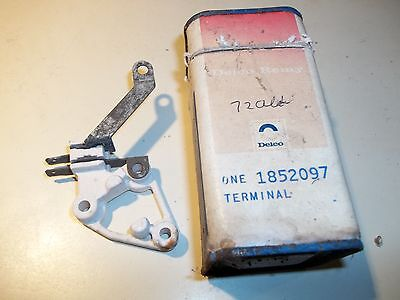 NOS 1972 Oldsmobile Chevrolet Terminal Unit, Field And Ind. Light 2.313 1852097