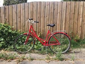 Vintage Ladies Bike (+ helmet if you like) Abbotsford Yarra Area Preview