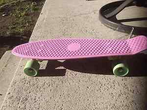 Lilac Pastel Penny Board - great condition