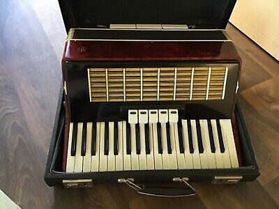 Russian piano accordion excellent condition. Works perfectly.