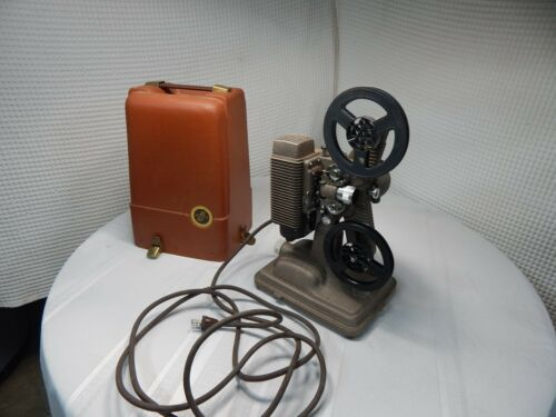Vintage! Revere Camera Company Chicago Model 85 Projection Movie Camera w/Case