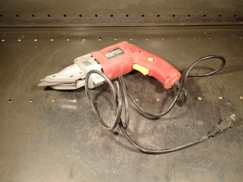 Chicago Electric 14-Gauge Swivel Head Sheet Metal Nibbler Shears: 120V, 4A, Used