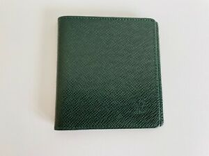 Authentic Louis Vuitton Men Wallet Taiga Green Leather