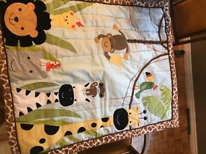 Crib sheet and accessories set
