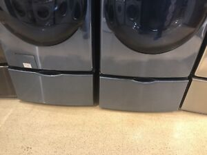 Laundry Pedestal with Sorage