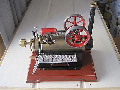 Dampfmaschine Josef Falk Bing-Werke. Treppenaufgänge