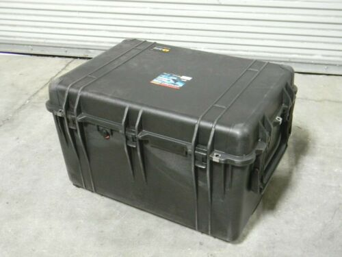 "Pelican 1660 Protector Watertight Hard Case w/ Extendable Handle 31"" x 23"" x 19"""