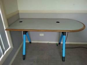 computer table Narellan Vale Camden Area Preview