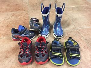 TODDLER BOYS SHOES - Size 5