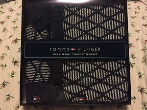 Tommy Hilfiger hat+scarf set