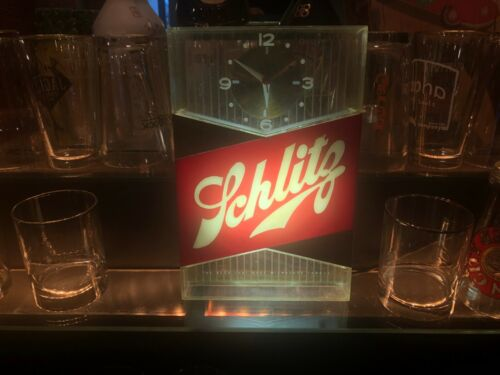1959 SCARCE BREWERIANA: Vintage Schlitz Beer Lighted Bar Clock Milwaukee Works!!
