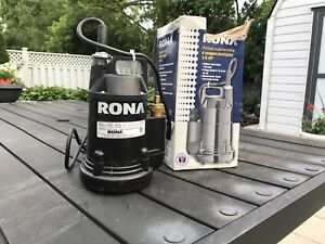 Selling Rona 1/6 Submersible Water Pump