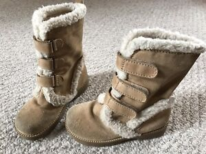 GAP winter boots (size 11)
