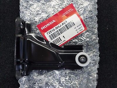 Upper Roller (New Genuine Honda Odyssey Sliding Door Right Upper Roller (05-10) )