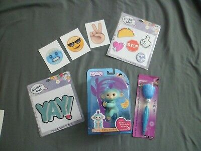 Fingerlings Baby Monkey Zoe WowWee ~Sound~Motion~ Pen ~ Stickers Lot of 7 Toys