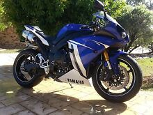 Yamaha YZF-R1 2011 Super loud sports bike Brisbane Region Preview